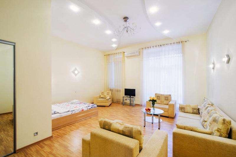 Апартаменты! (отель «Crowne Plaza», казино «Шангри-ла», дискотека «Next»)
