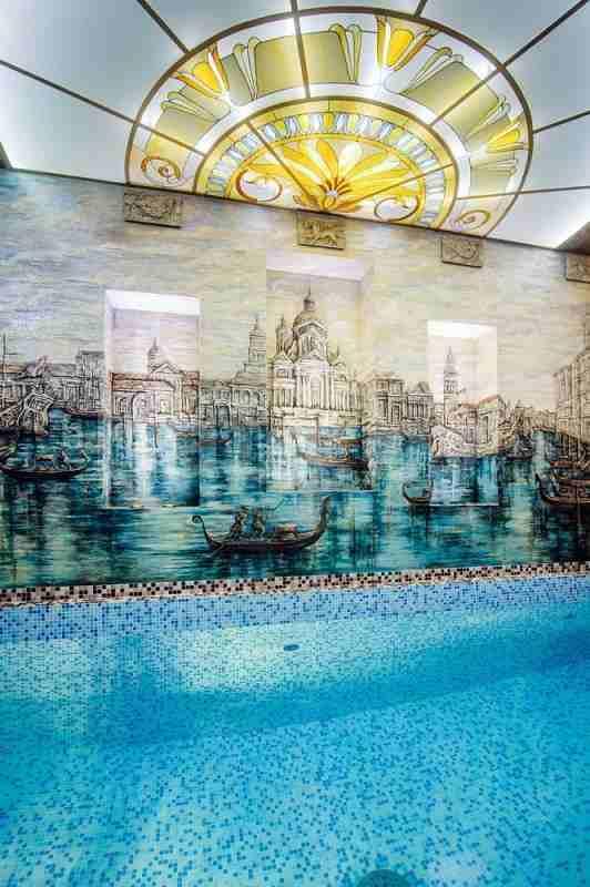 Эксклюзивный 2-уровневый коттедж на берегу озера. Фото