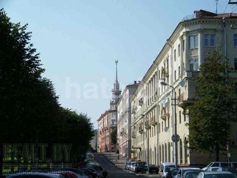 5 - комнатная квартира в двух уровнях в самом центре города. Фото