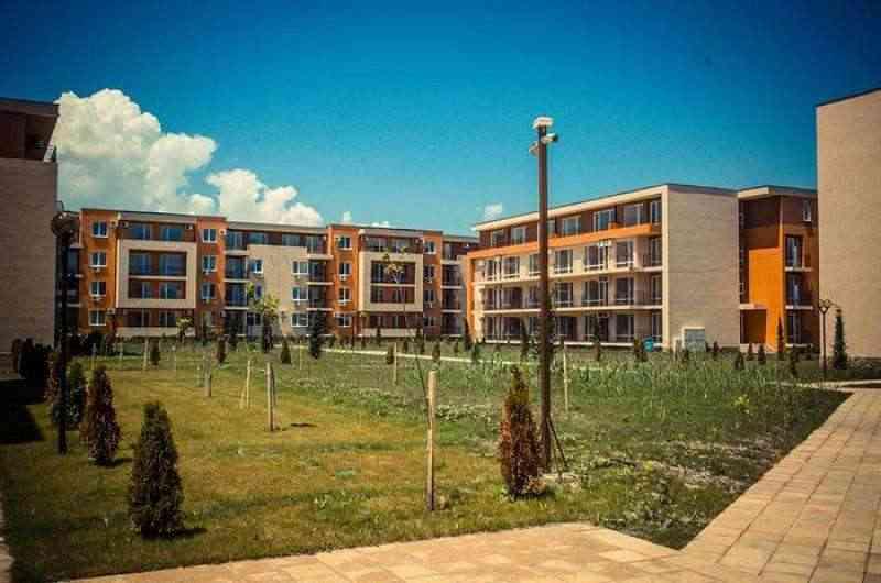 Жилой комплекс, расположенный на курорте Солнечный Берег с собственным гольф – полем.. Фото