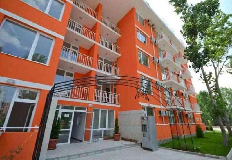 Комплекс курортных апартаментов на Солнечном берегу.. Фото