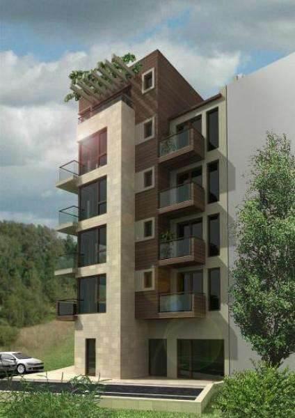 Строящийся жилой комплекс находится в центре города Святой Влас.. Фото