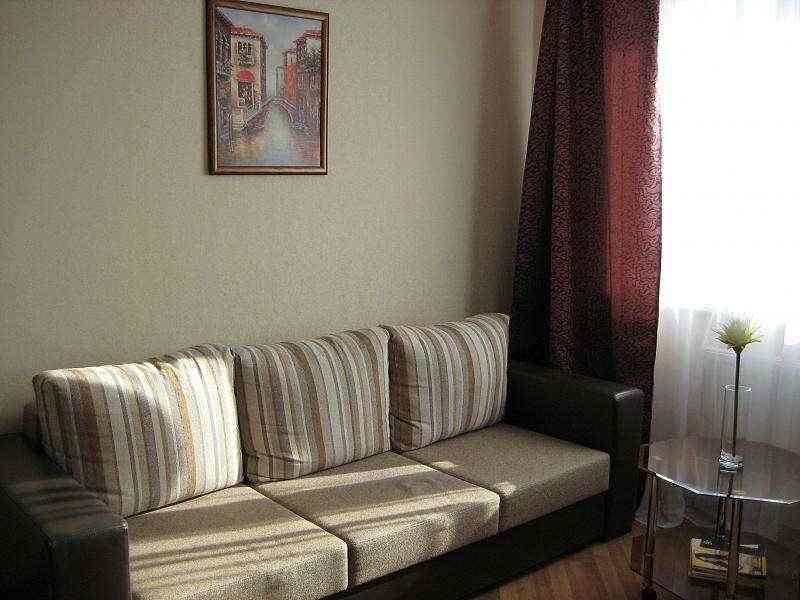 Уютная 1-комнатная квартира. ст. м. Петровшина. Фото