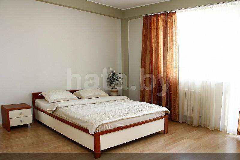 Двухкомнатная квартира на сутки в Минске, улица Богдановича, д.130. Фото