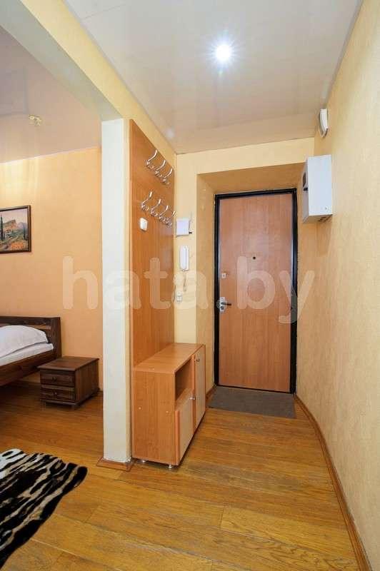 1-комнатная  квартира (метро Октябрьская, ГУМ, КГБ, Национальный банк)). Фото