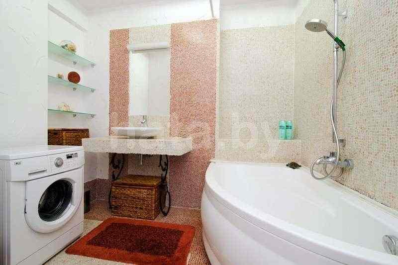 2-комнатная квартира (( в доме Кафе Bistro de )метро Немига, Макдональс). Фото
