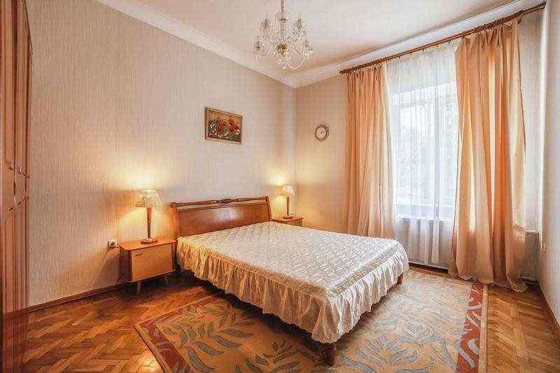 3-комнатная в центре Минска, 1мин. ст.метро пл. Ленина, WI-FI. от собственника.