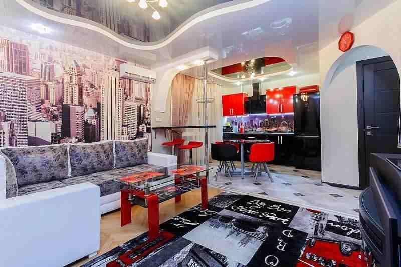 1-комнатная новая евроквартира-студия с отдельной спальней. Компаниям на вечеринки не сдаётся.
