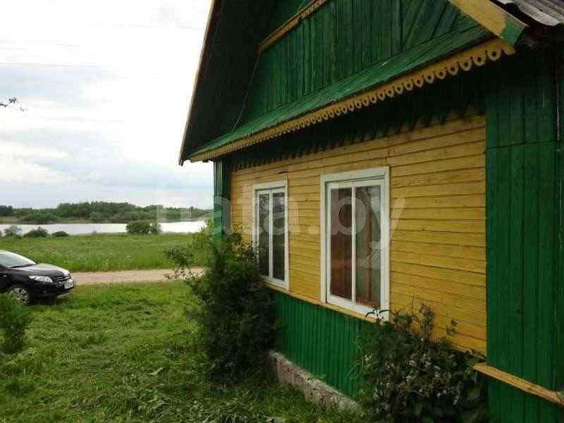 Дом на озере для отдыха и рыбалки. Фото
