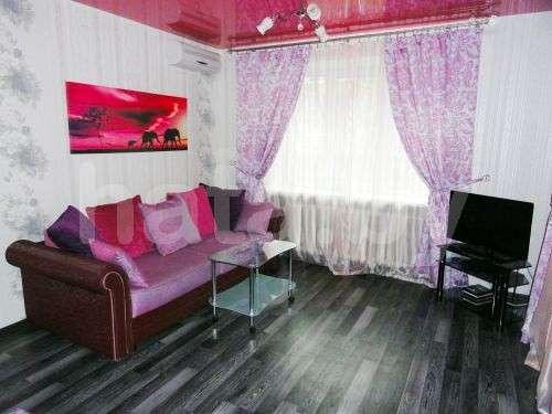Однокомнатная квартира в центре на улице Пугачевская д 9, метро рядом , кондиционер, бесплатный wi-fi. Фото