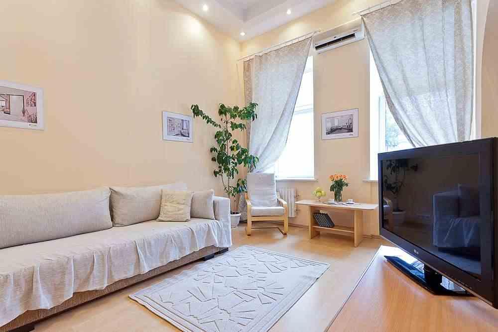 Апартаменты студия однокомнатные (площадь и метро Октябрьская ). Фото