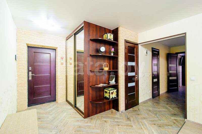 2-комнатная квартира на сутки (часы)  в центре Минска в новом доме с видом на Ботанический сад, Нац. Библиотеку. Фото