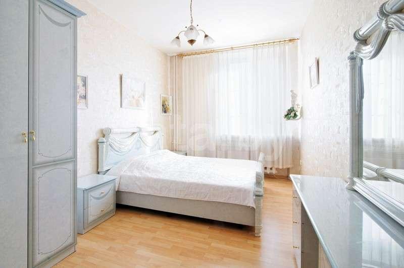 Апартаменты 2-х комнатные (площадь Октябрьская, метро октябрьская). Фото