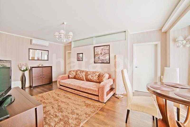3-комнатная квартира от собственника, цена - пн-пт 60$ пт-вс 80$. Фото