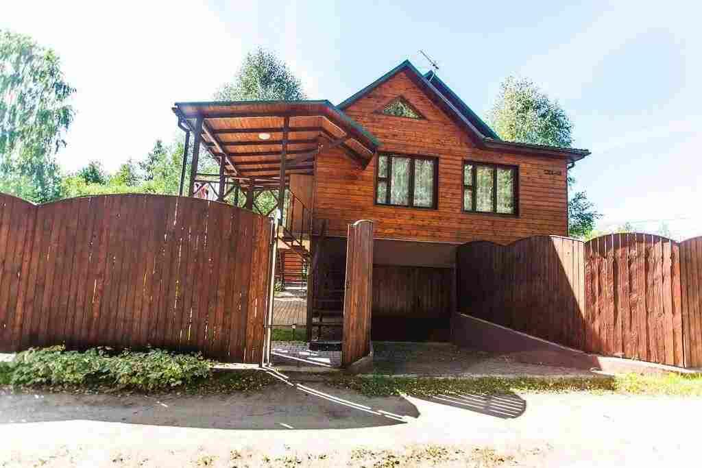 Снять недорогой дом под Минском с баней, 10 км от МКАД. Фото