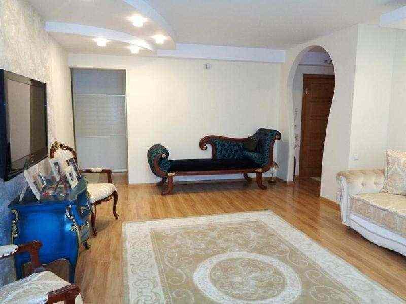 Продается 3-комнатная квартира по ул. Одинцова, д. 97 в г. Минске. Фото