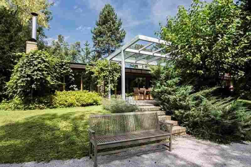 Продается дом с уникальным дизайном в Словении, на территории природного парка Барье - Любляна. Фото