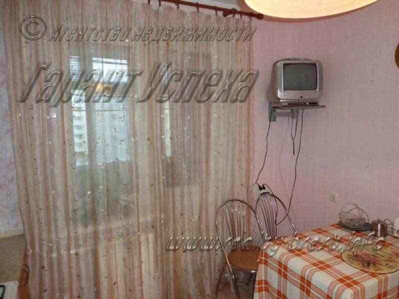 1-к квартира на Востоке, ул. Московская 4/6 этажного блочного дома 2005 года постройки. Фото