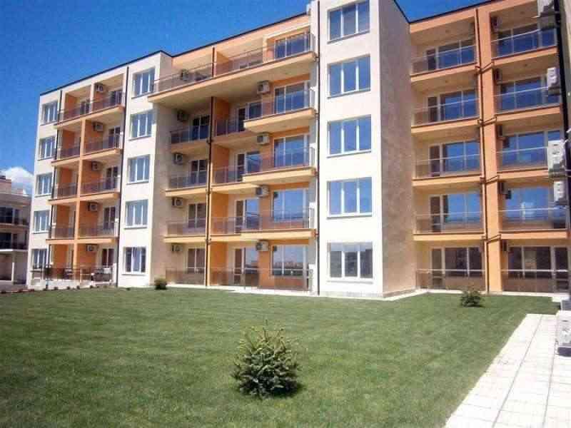 Новый жилой комплекс в Светом Власе.. Фото