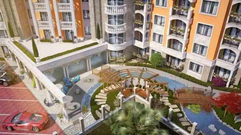 Строящийся жилой комплекс расположен недалеко от центра известного курорта Солнечный Берег.. Фото