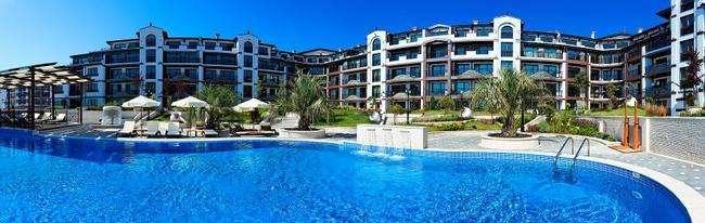 Классные квартиры на первой линии от моря, в курортном городе Поморие.. Фото