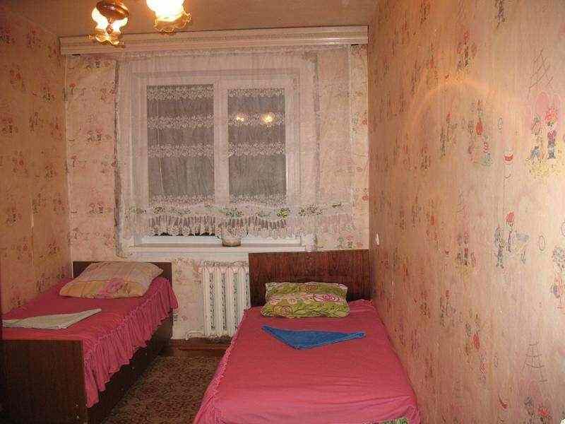 Меблированная трехкомнатная квартира на сутки и более в Светлогорске