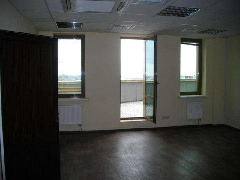 офис 65м.кв. и 115м.кв. в аренду в Титане по 15вро включая НДС. Фото