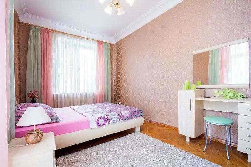 2-комнатная квартира в центре! Площадь Якуба Коласа. Фото