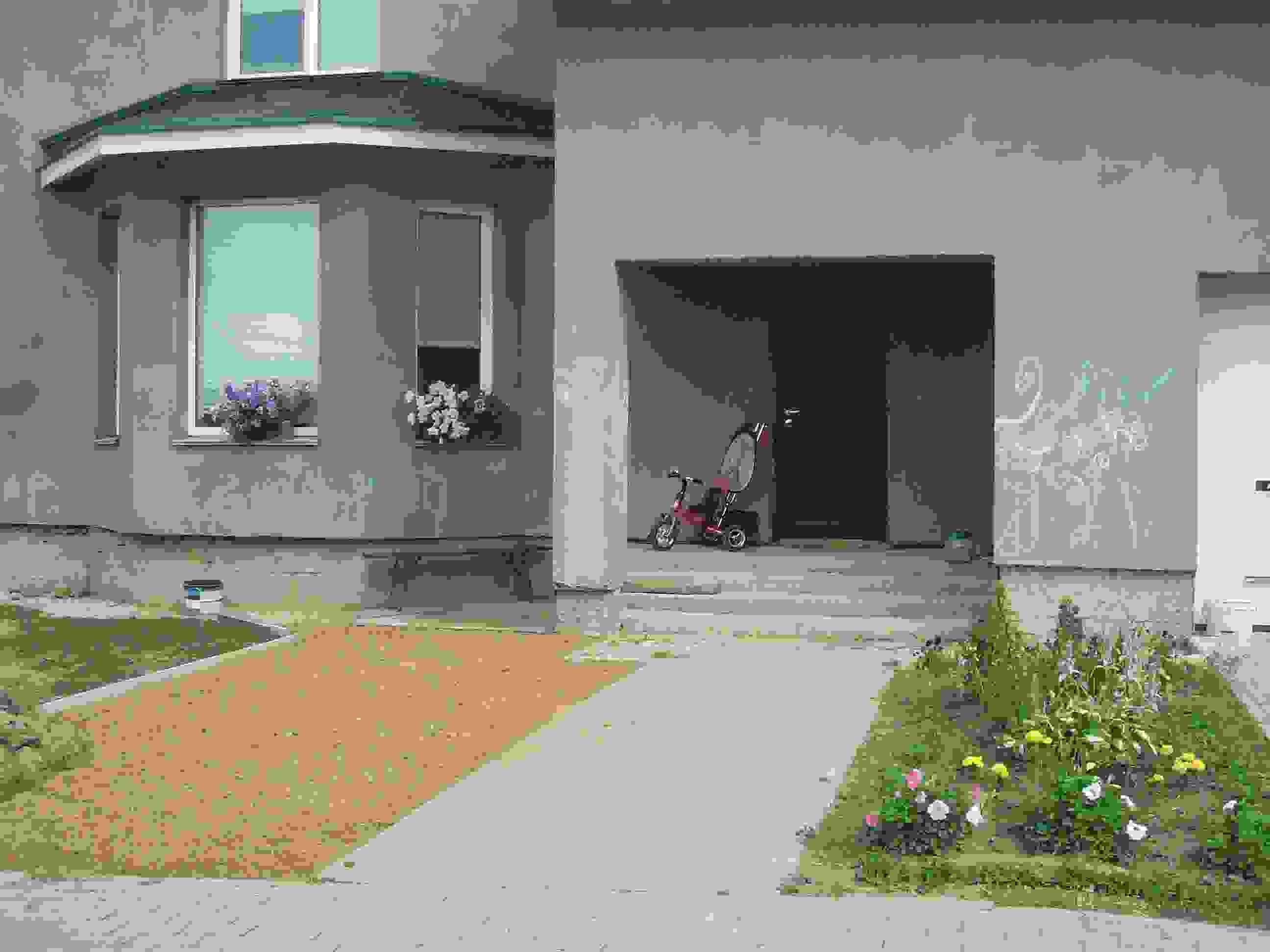 коттедж без отделки в современном поселке со всеми коммуникациями.. Фото