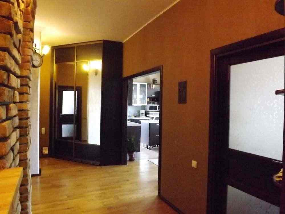 Продам 3-х комнатную квартиру в элитном доме свободной планировки в идеальном состоянии