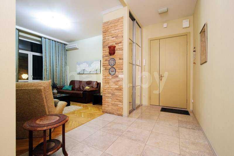 2-комнатная квартира (К О Н Д И Ц И О Н Е Р, метро Академия Наук ). Фото