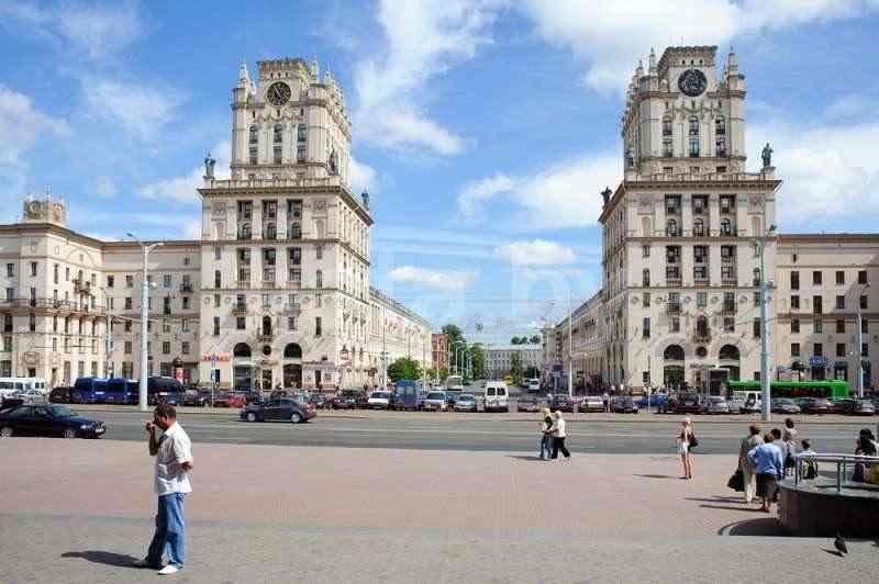 Апартаменты трехкомнатные (Вокзал, метро п.Ленина, Краун Плаза, казино Шангри Ла). Фото